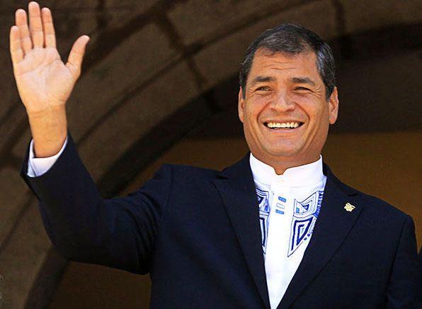 El presidente de Ecuador es Rafael Correa. Él ganó la elección en 2007. La presidencia dura cuatro años pero el presidente puede servir dos periodos.