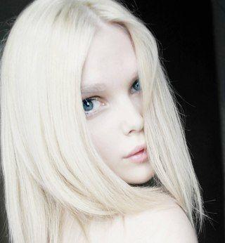 девушка модель альбинос