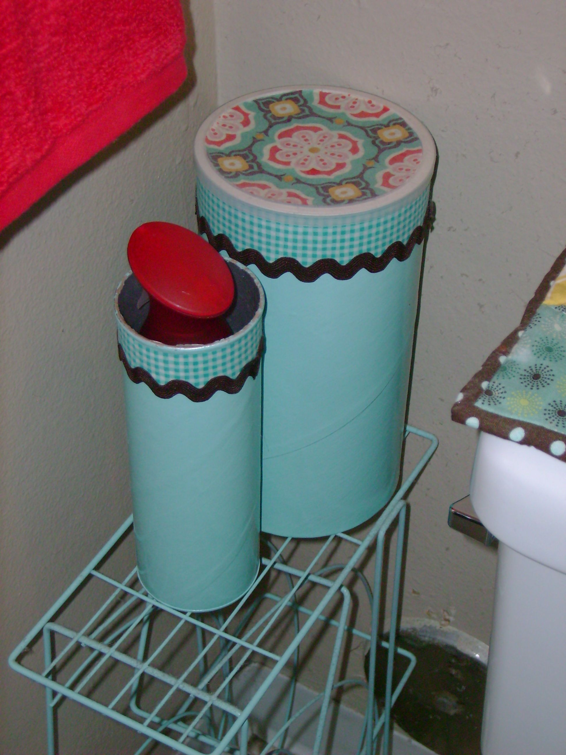 Oatmeal Can Used For Extra Toilet Paper Storage In The Bathroom. Pringles  Can To Hold