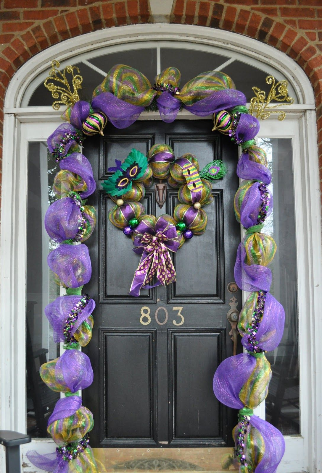 mardi gras door decoration garland and wreath from deco mesh les bon temps rouler - Deco Mesh Halloween Garland