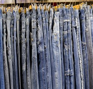 Get The Weird Dye Smell Out Of New Jeans How To Make Jeans Vinegar Fabric Softener Smelling