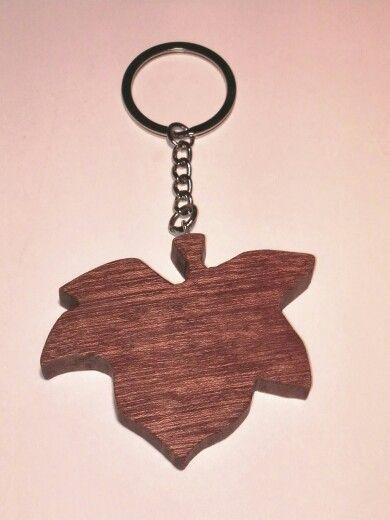Portachiavi in mogano, realizzato a mano; keyrings handmade