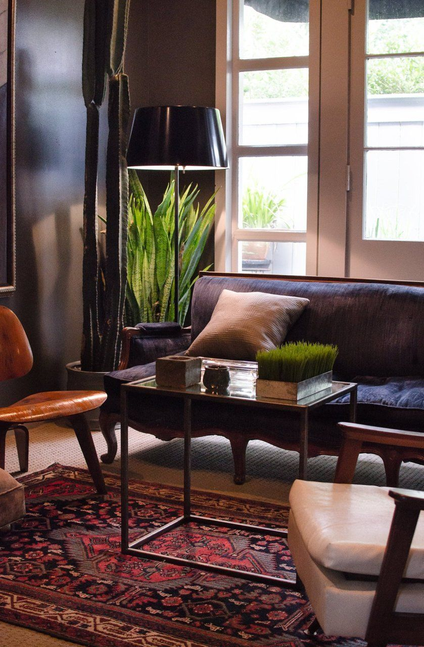 an eclectic victorian cottage in new orleans modernist pinterest maison decoration et salon. Black Bedroom Furniture Sets. Home Design Ideas