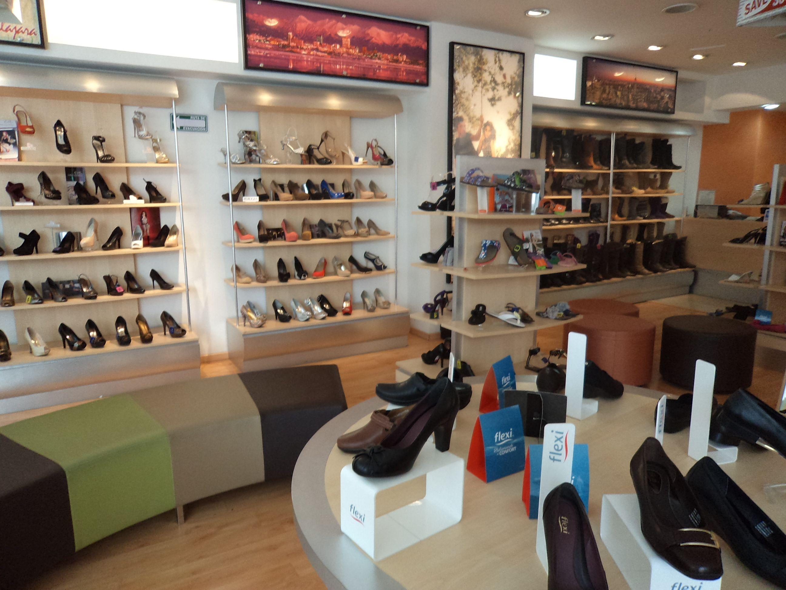 12 Ideas De Zapateria Guadalajara Zapatería Tienda De Zapatos Diseño De Tienda De Zapatos