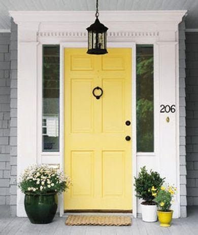 Yellow front door home-y Pinterest Portes, Extérieur et - peinture porte et fenetre