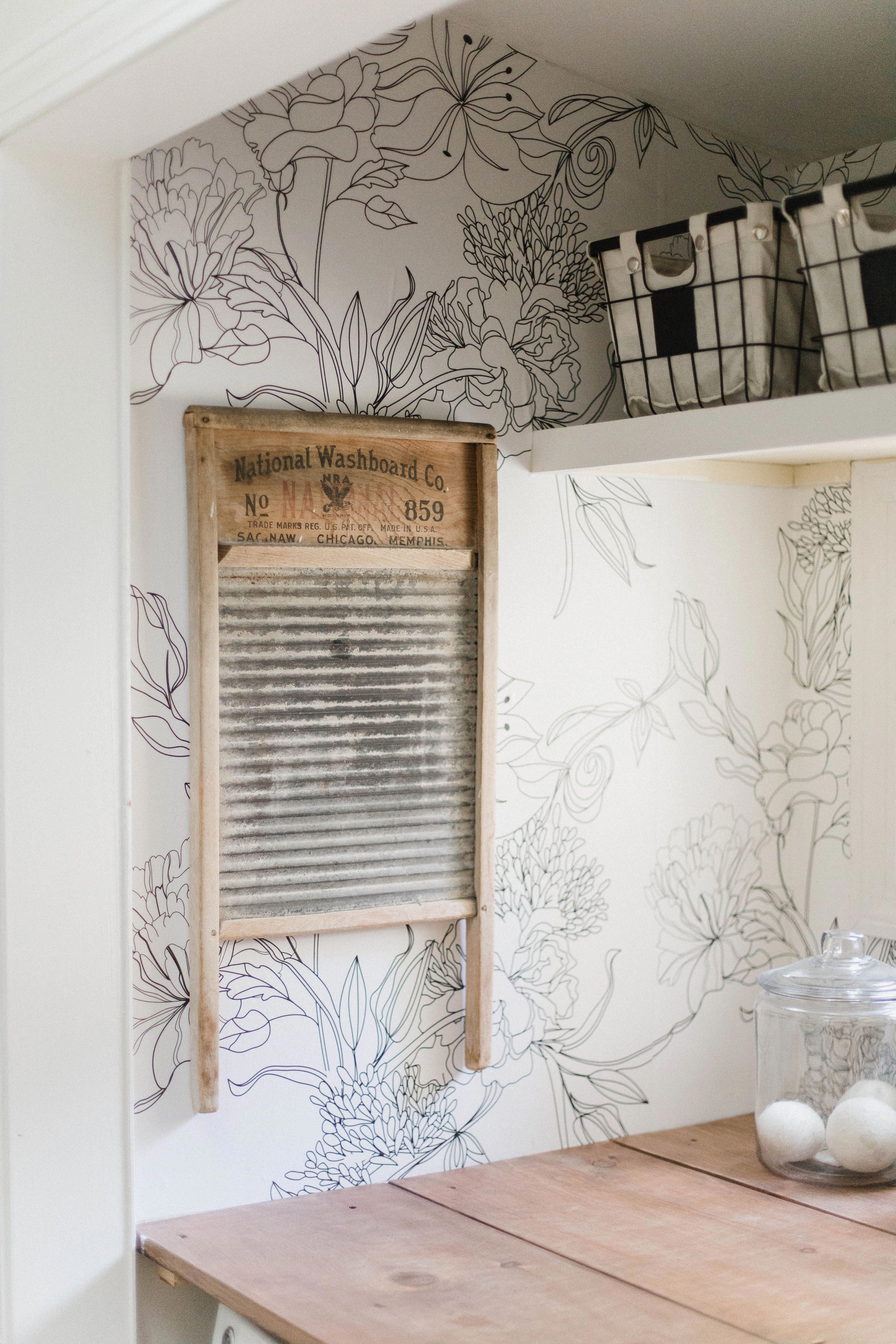 Sketch Floral In 2020 Laundry Room Wallpaper White Laundry