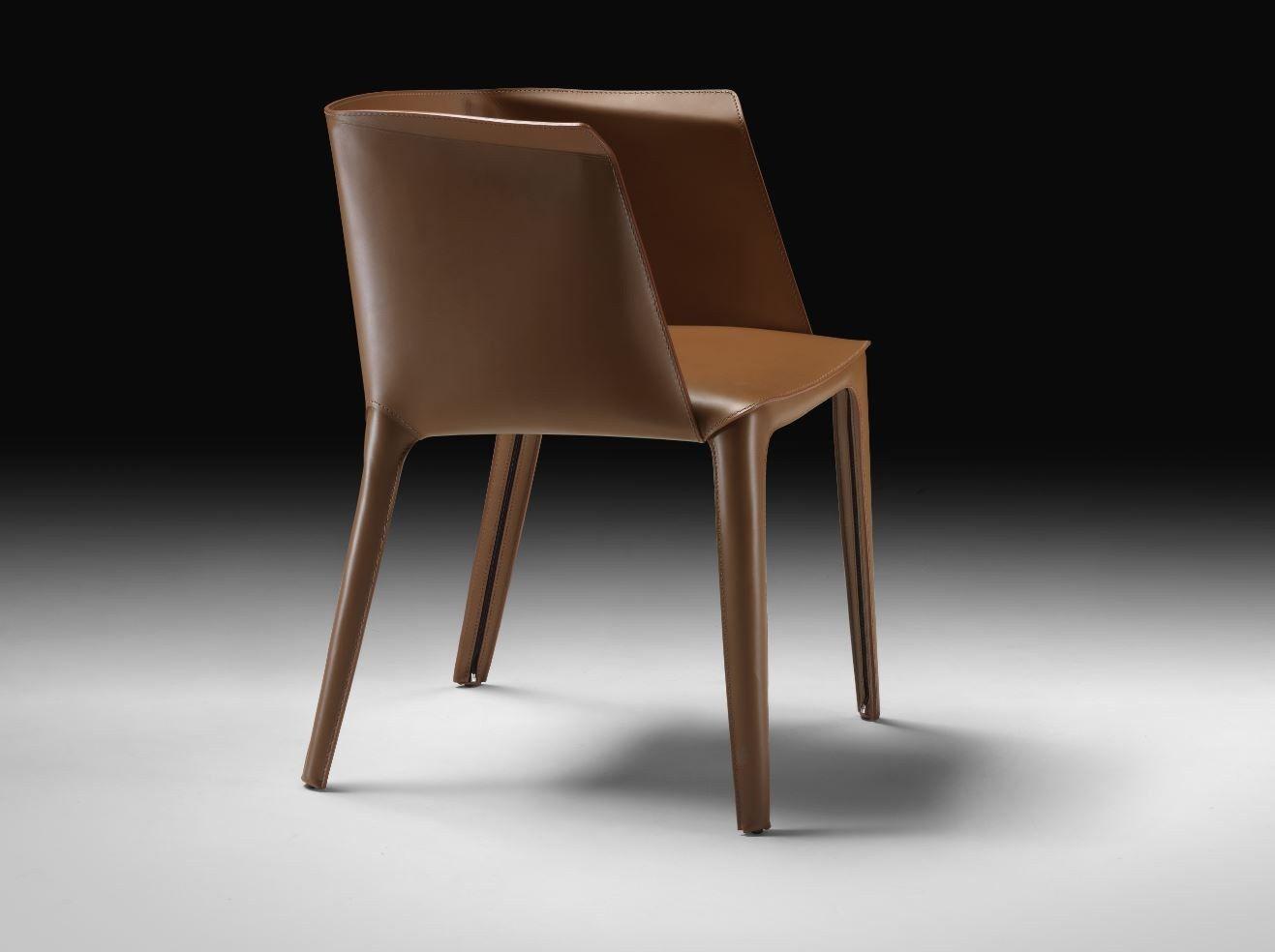 Sedia in cuoio con braccioli collezione isabel by flexform