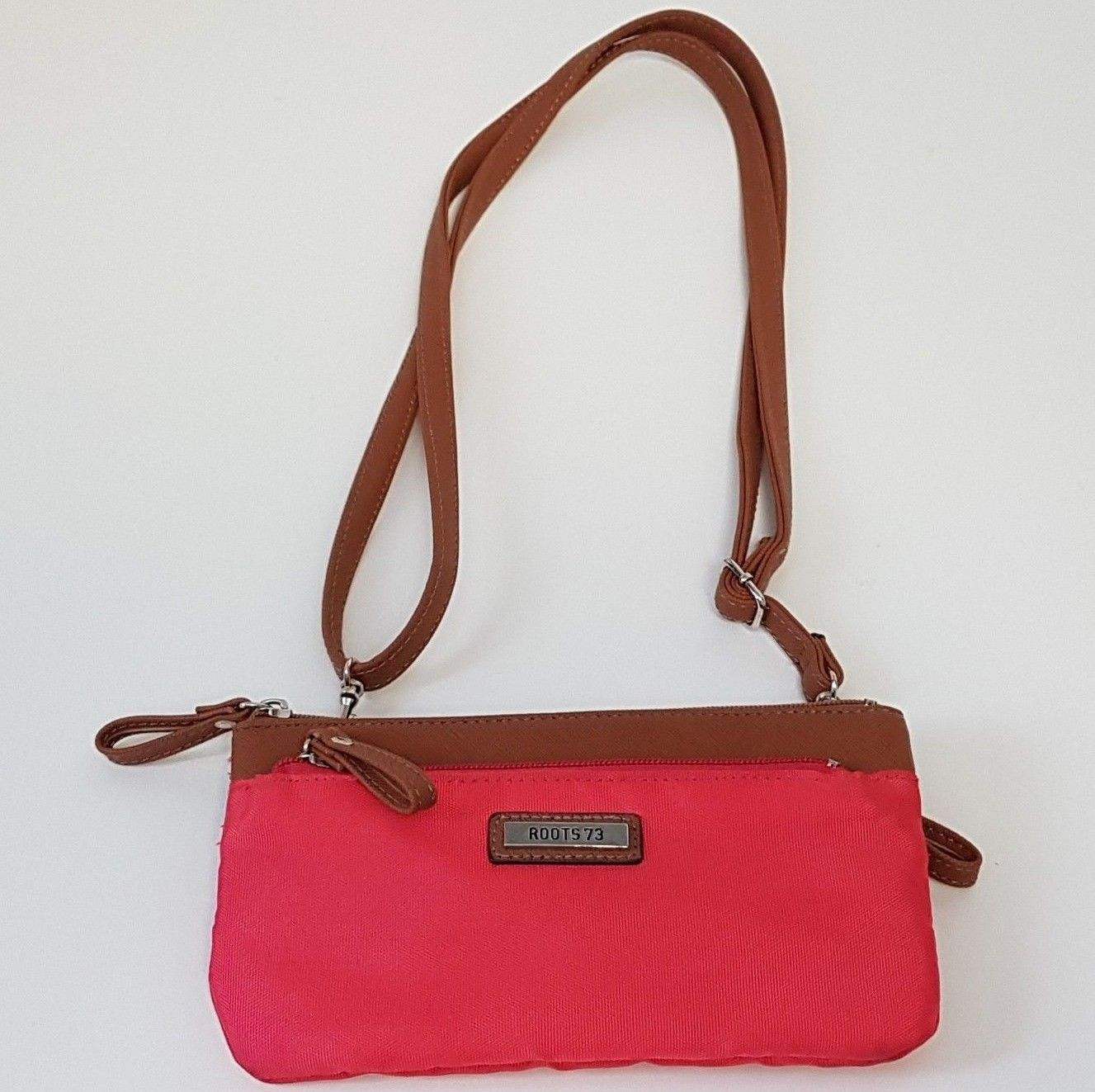 0074036dcb374 Small Roots Canada 73 Cross Body Phone Purse Clutch Wallet Fabric Women s  Red