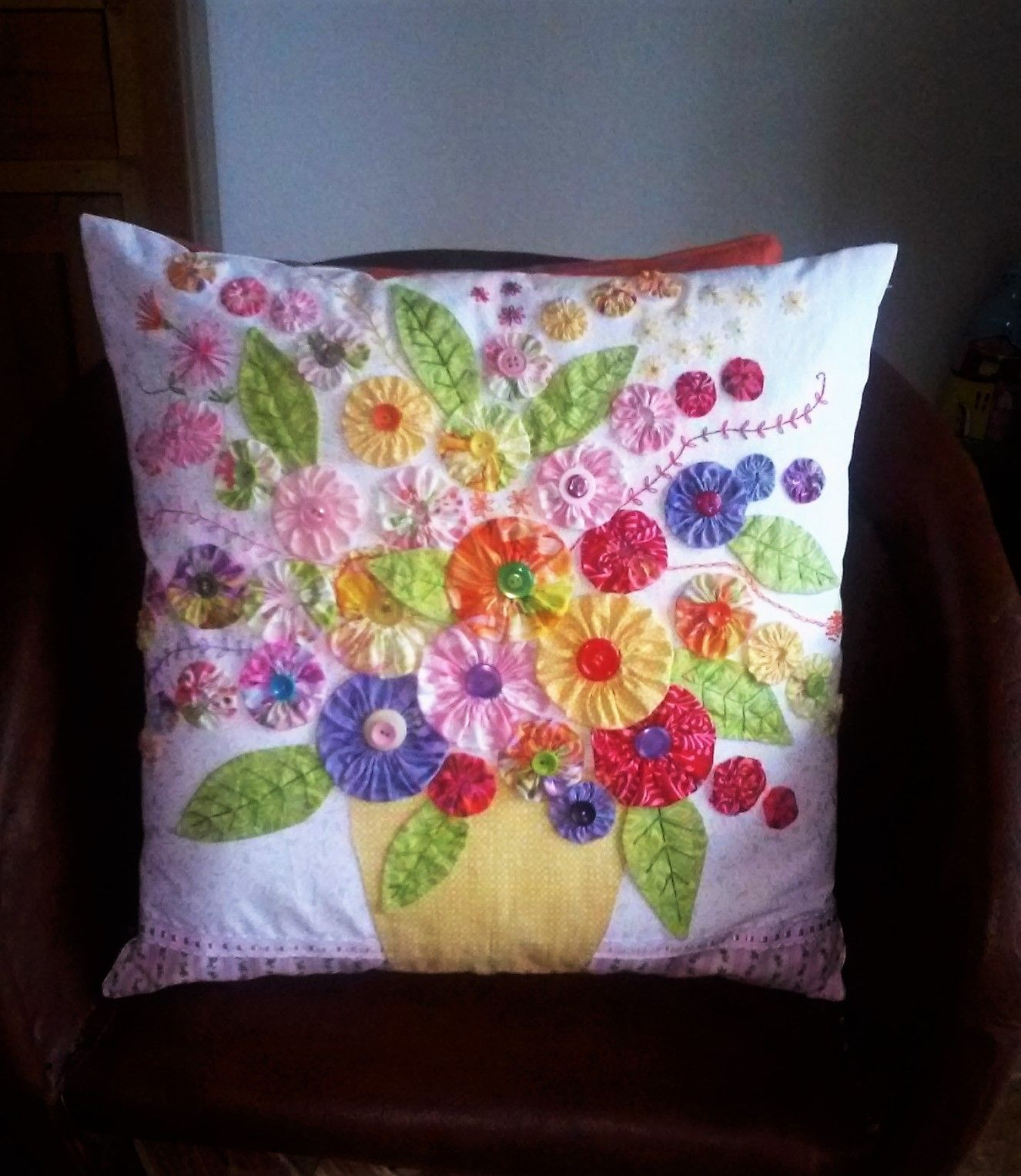 Yo Yo flower pot pillow