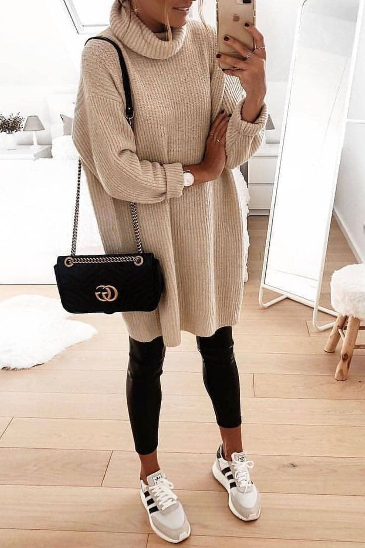 Cute oversized sweater 💕💕 #womensfashionfallleatherleggings