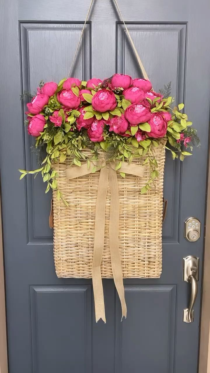 Photo of The largest basket wreath