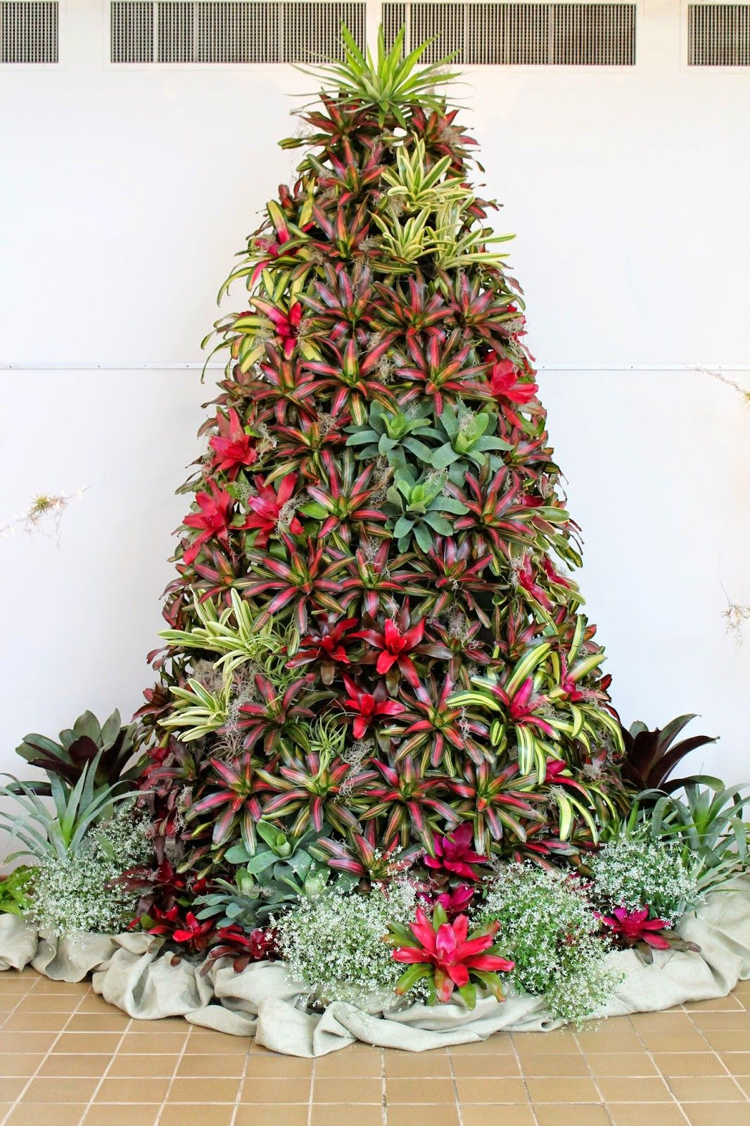 The State Botanical Garden of Georgia: Holiday Decorations at the ...