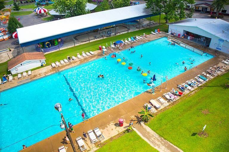 Splash Lagoon Pool Beech Bend Amut Park Bowling