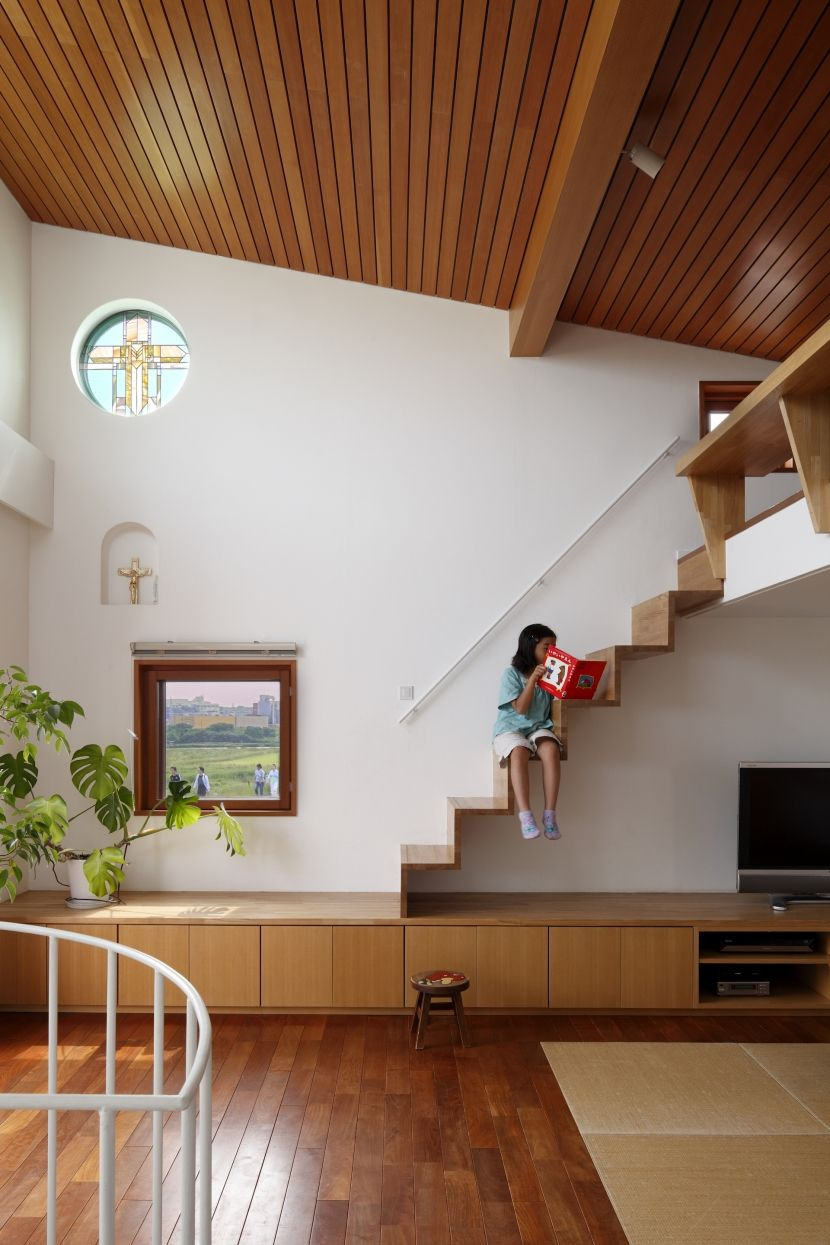 専門家 長浜信幸が手掛けた ロフトへの階段 眺めの良いルーフテラスの家 の詳細ページ 新築戸建 リフォーム リノベーションの事例多数 Suvaco スバコ インテリアアーキテクチャ 住宅 北欧のインテリアデザイン