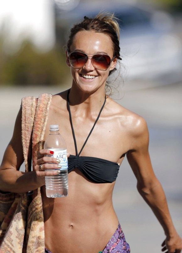 sharni vinson photos