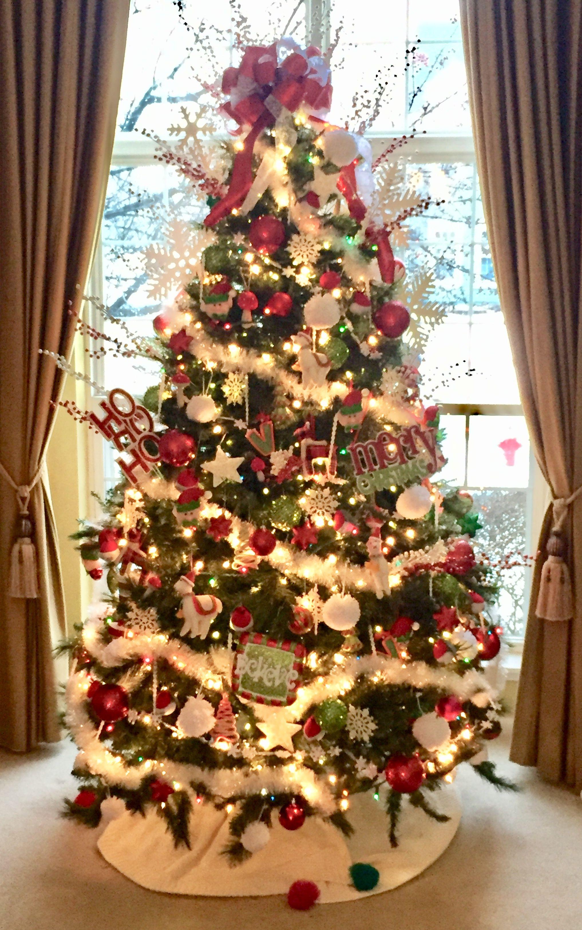 White And Red Christmas Tree Snowflakes Snow Balls Icicles Red Christmas Tree Christmas Tree Inspiration Christmas Tree