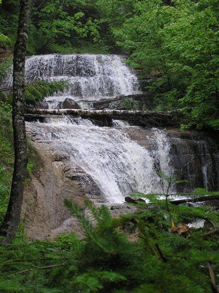 More Great Lakes Waterfalls Of Michigan S Upper Peninsula Michigan Waterfalls Pictured Rocks National Lakeshore Waterfall