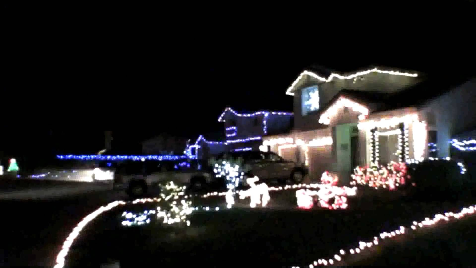 Christmas Lights 13 Houses Set To Little Drummer Boy TIME 3:44