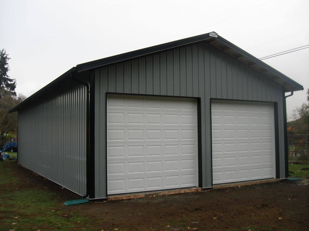 Two-bay garage in Tacoma, WA. Constructed by Spane Buildings of Mount Vernon, WA.