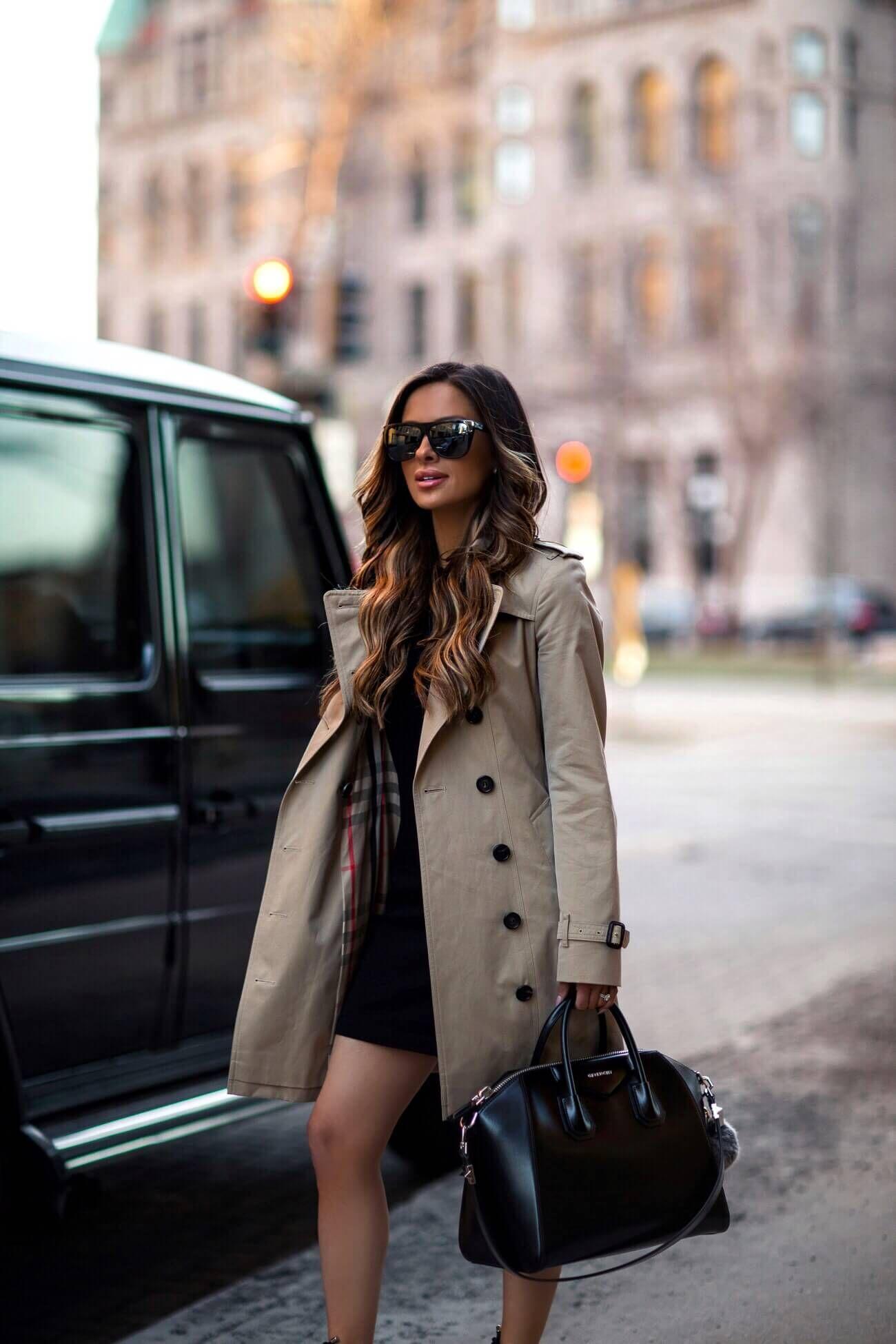c77ad4c571 fashion blogger mia mia mine wearing a givenchy antigona bag and a burberry  trench coat
