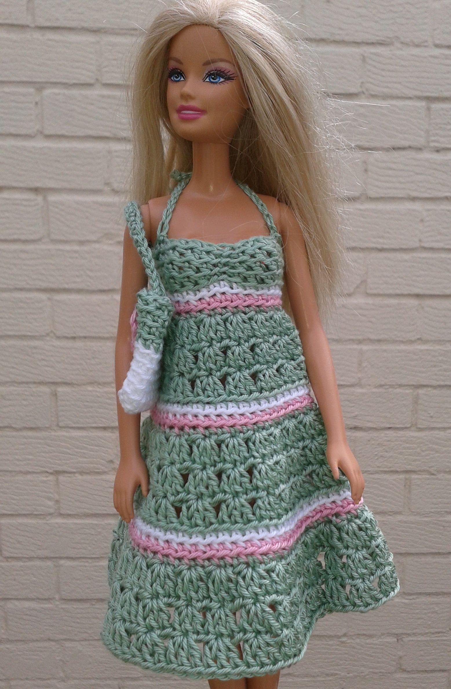 Green sundress and bag Free crochet pattern #dolldresspatterns