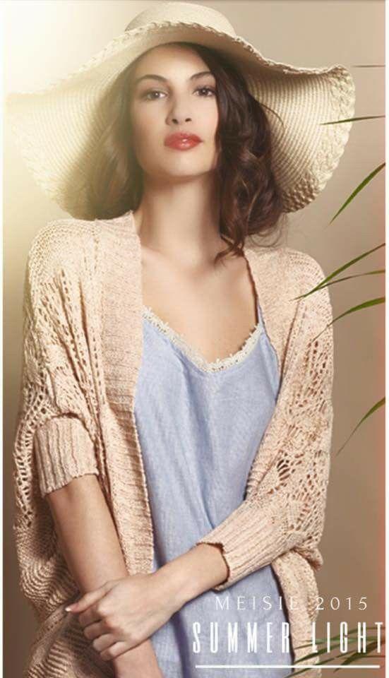 Vestido de tirantes + chaqueta manga corta calada. Meisie brand.