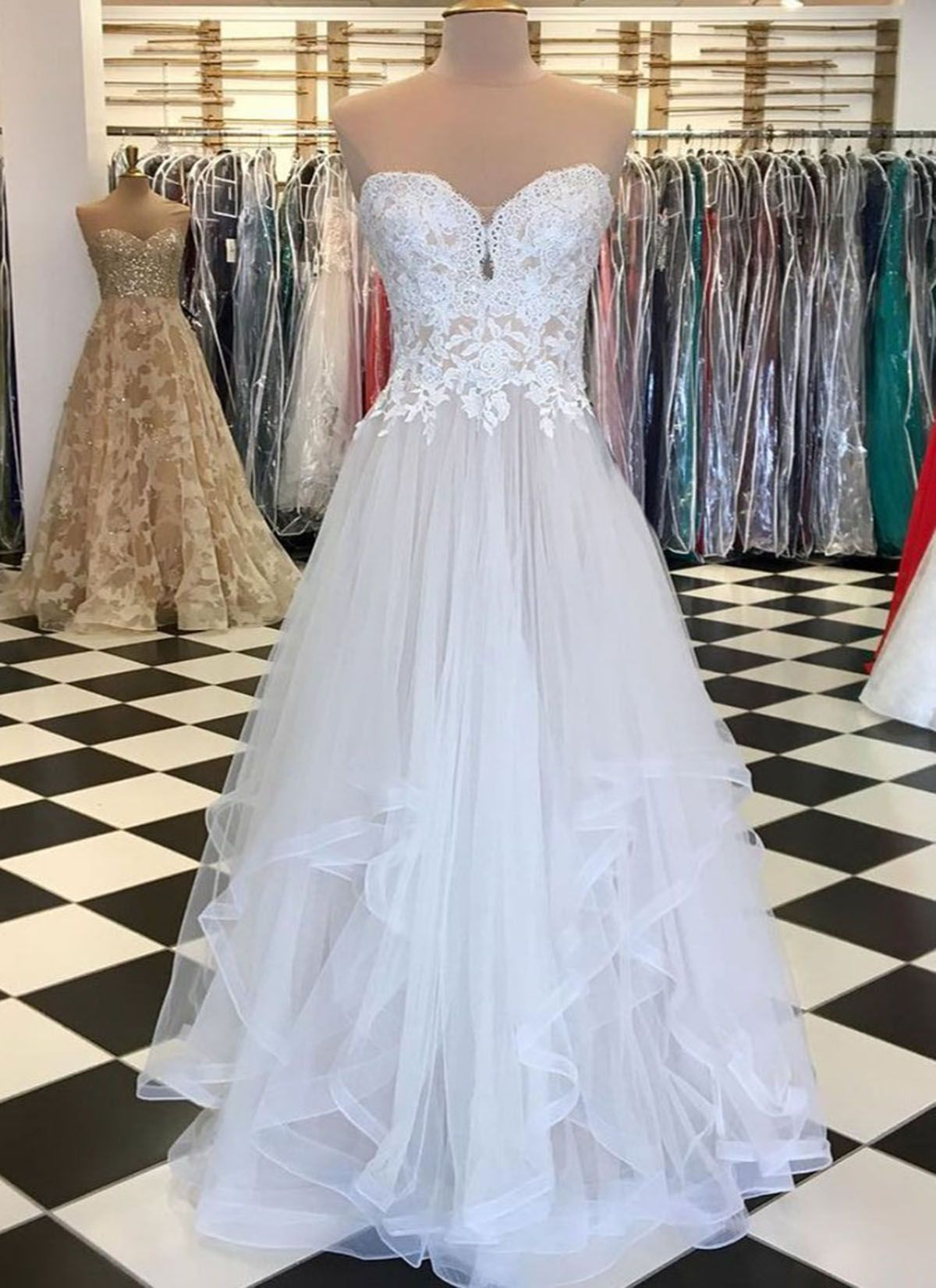 Sweetheart neck white tulle long ruffles prom dress with white lace