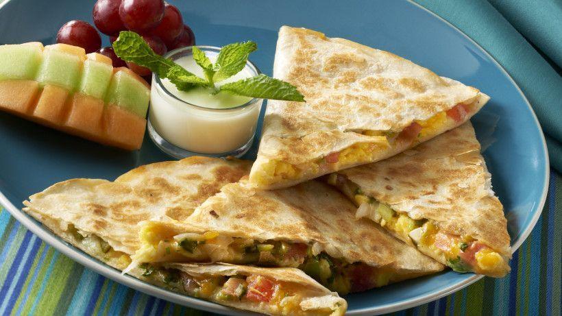 Quesadilla Z Serem Czym Nadziewac Przepis Dzien Dobry Tvn Dzien Dobry Tvn In 2020 Breakfast Quesadilla Recipes Recipes Vegetarian Quesadillas Recipes
