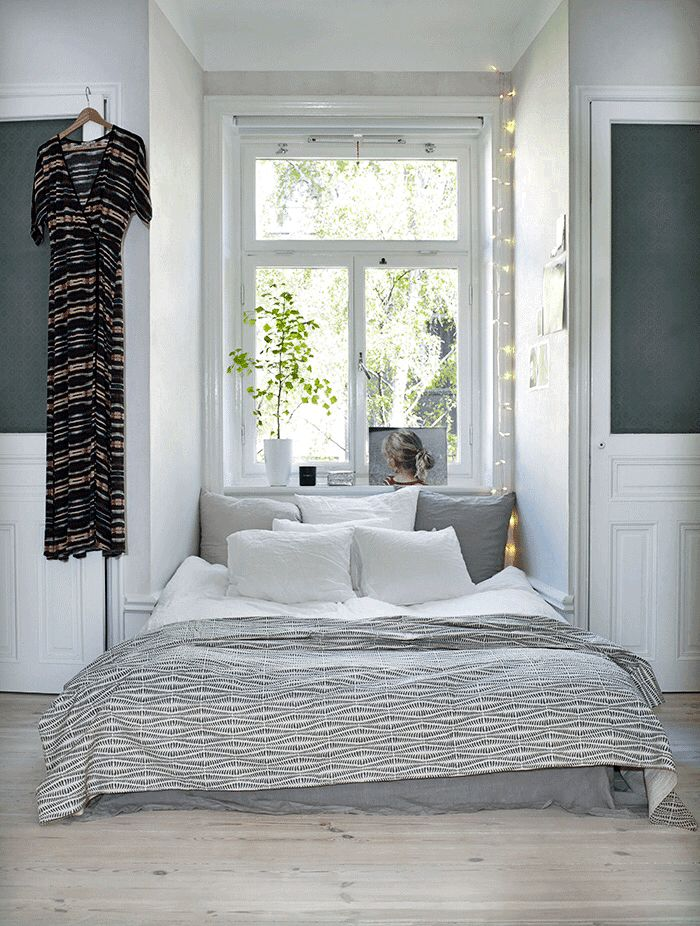 Bed nook in the white and grey