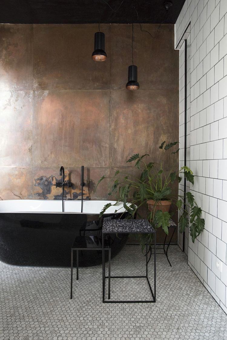 akzentwand badezimmer armaturen schwarz minimalistisch