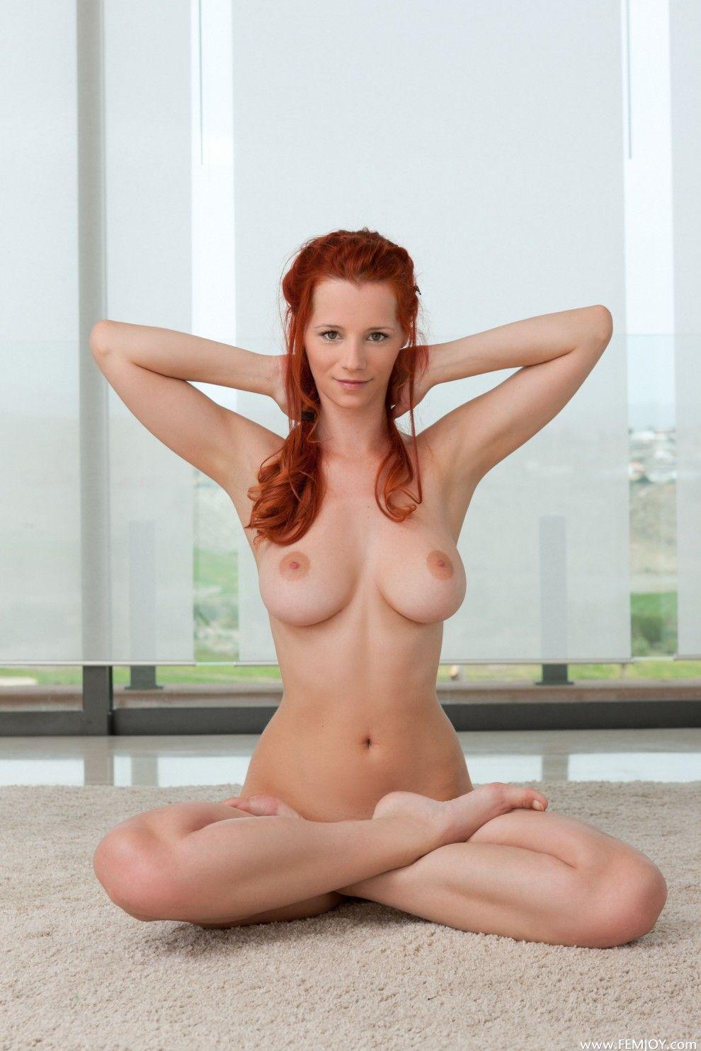 yoga-nude-red-head