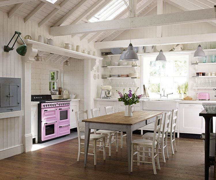Cucine shabby chic 30 idee per arredare casa in stile for Idee per arredare casa stile country