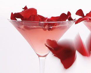How To Make Bombay Rose Cocktail For Your Valentine. http://icrav.it/VVJ8rG