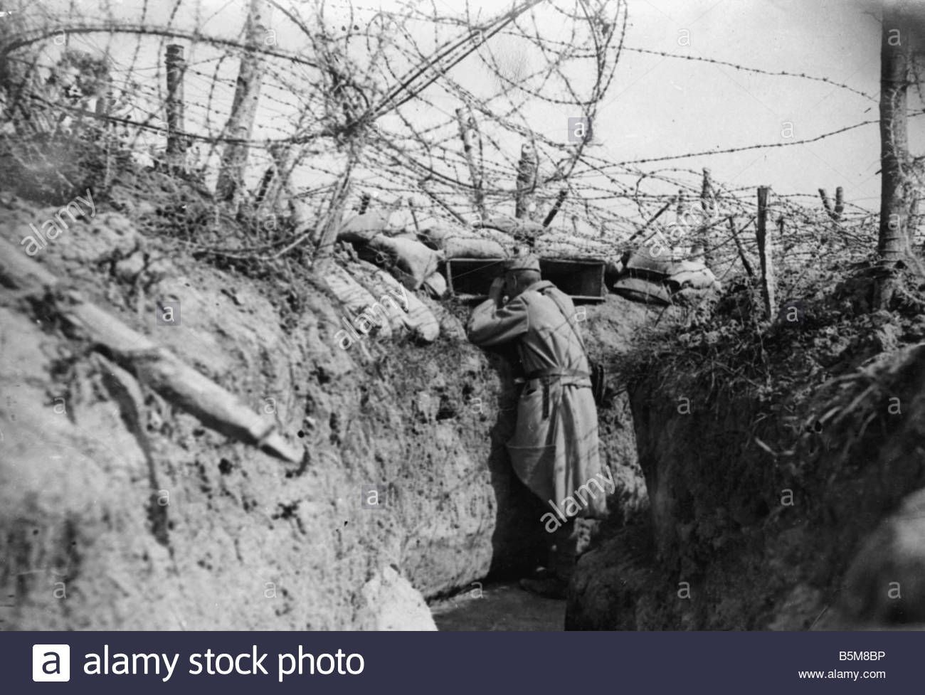 2-g55-f1-1916-10-trench-with-barbed-wire-world-war-i-history-world ...