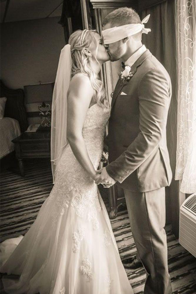 24 The Most Creative Wedding Photo Ideas & Poses | Wedding Forward
