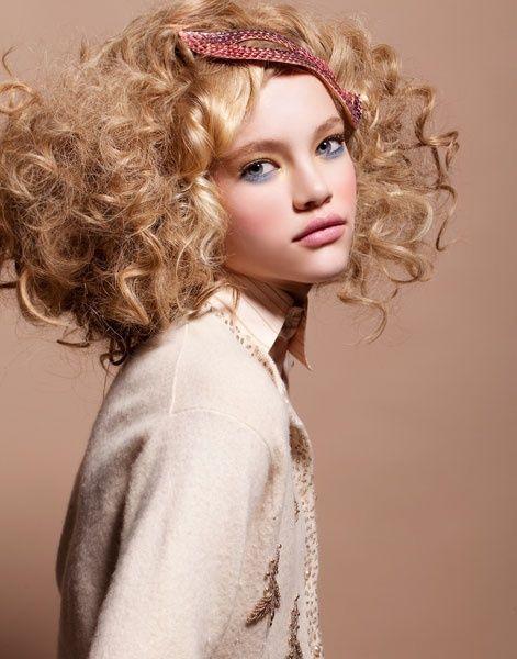 Pretty curly blonde hair