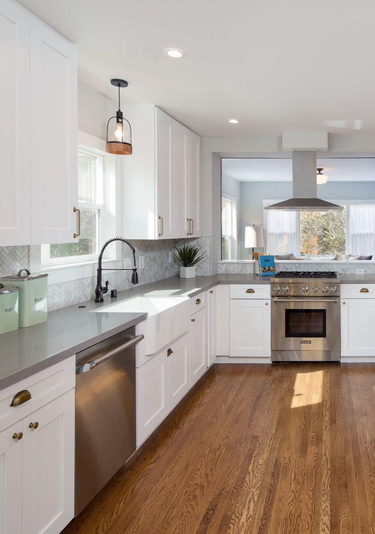 FarmhouseInspired White Kitchen Ideas Cheap kitchen