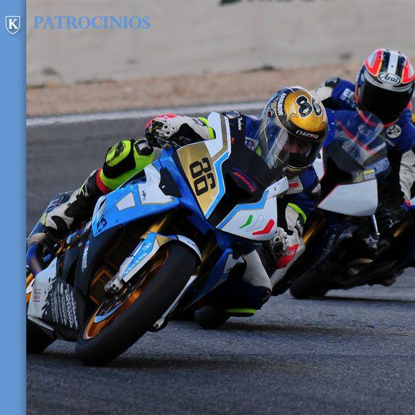 Momento de la competición de la Copa S1000RR en el circuito de Jarama con el patrocinio de KRONOS.