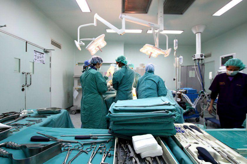 Hay Médicos Más Importantes Y Que Deberían Ganar Más Que Otros Nursing Career Medical Education Medical