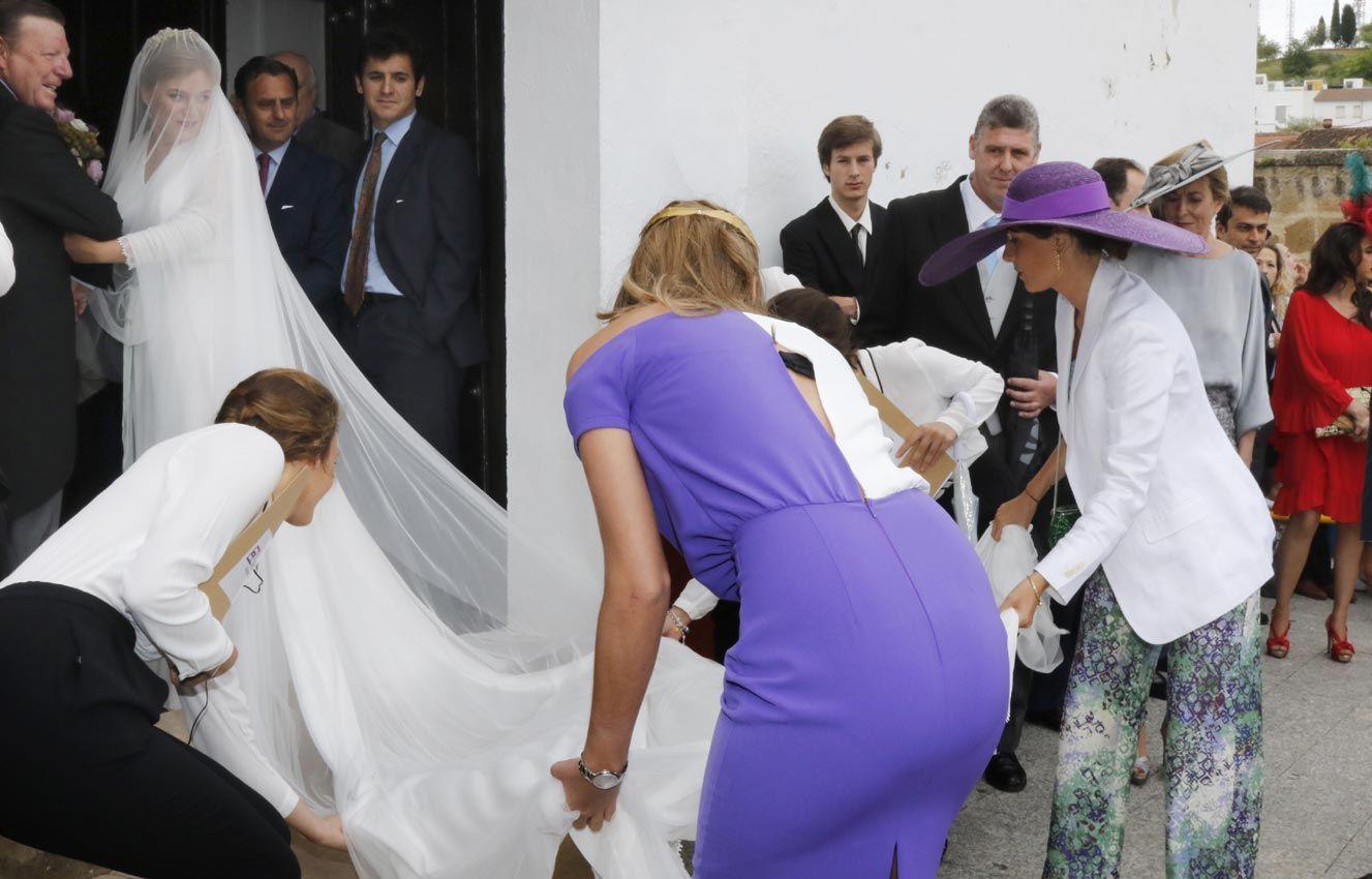 Dorable Traje Para La Boda De Lesbianas Fotos - Vestido de Novia ...
