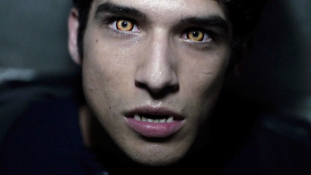 """Sink Your Teeth Into A Behind-The-Scenes Look At The Insane Process Of Becoming A """"Teen Wolf"""" with Tyler Posey!"""
