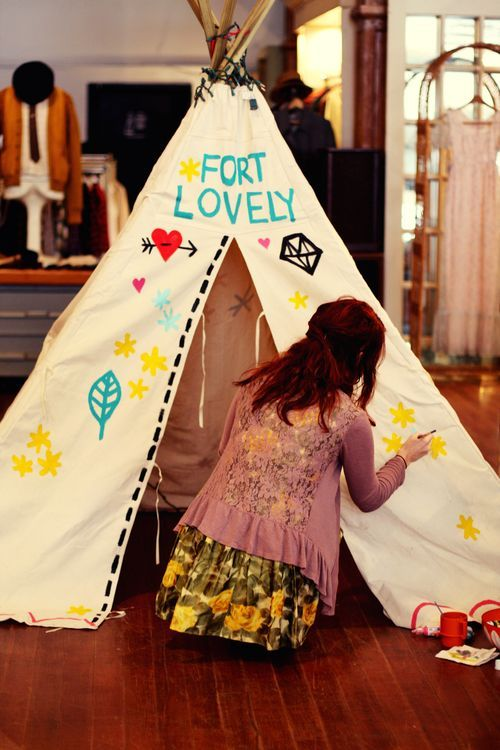 Feathers And Teepees Oh My A Beautiful Mess Kids Forts Kids Blankets Crafts
