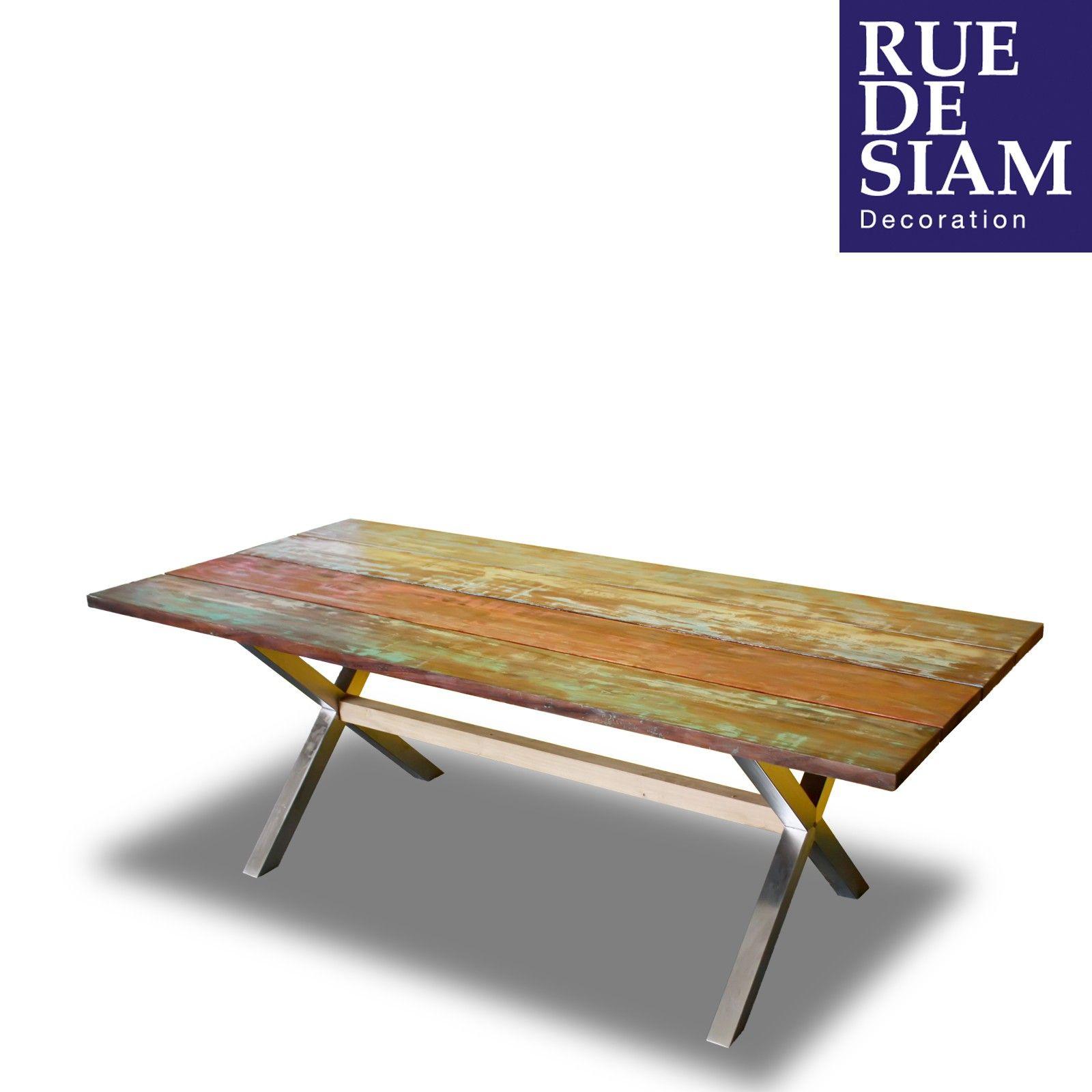 Très belle table de jardin élégante, fonctionnelle. Le plateau est ...
