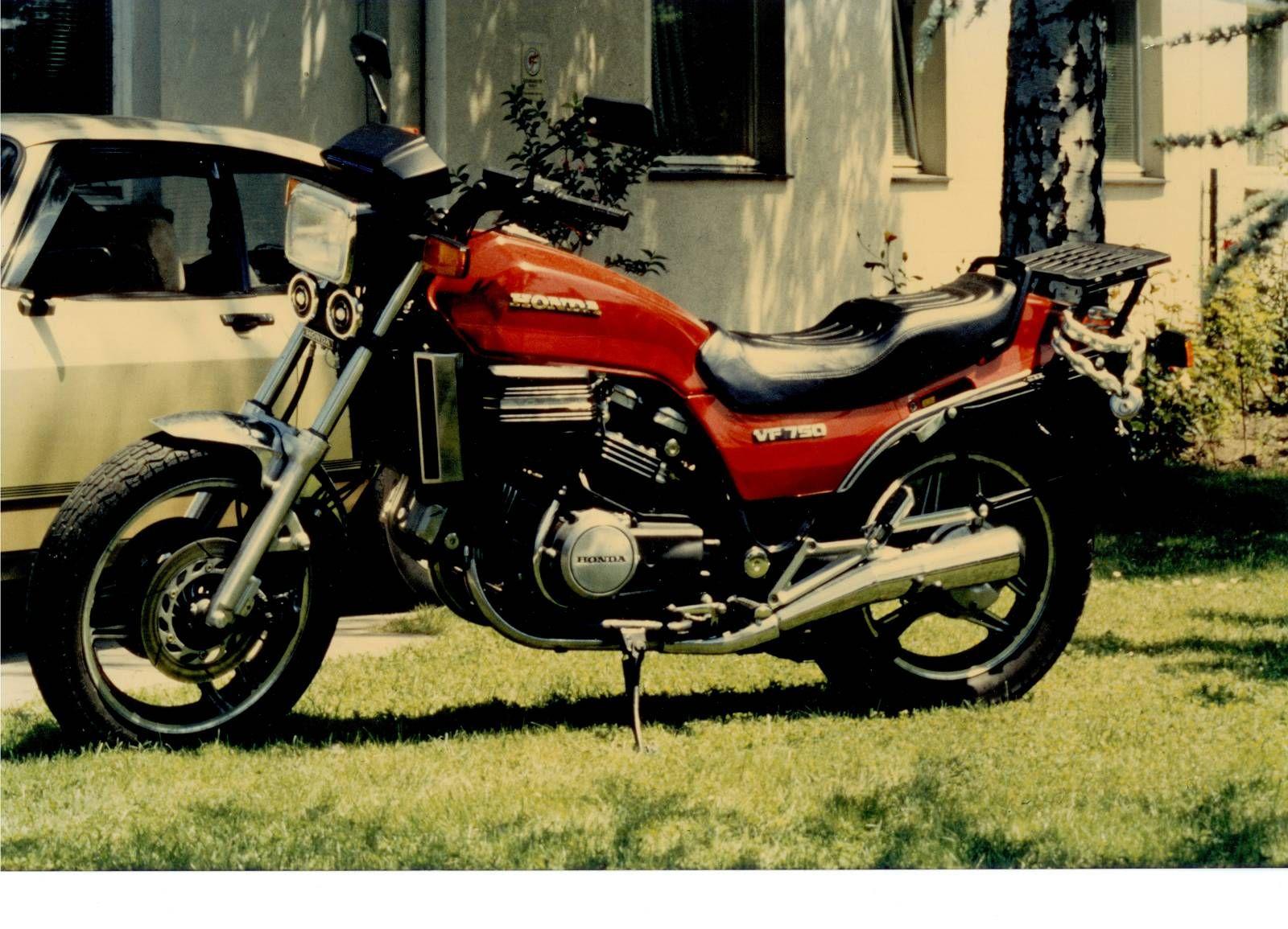 Oldtimer Honda VF 750 F RC15 gepflegter Zustand VF750 B
