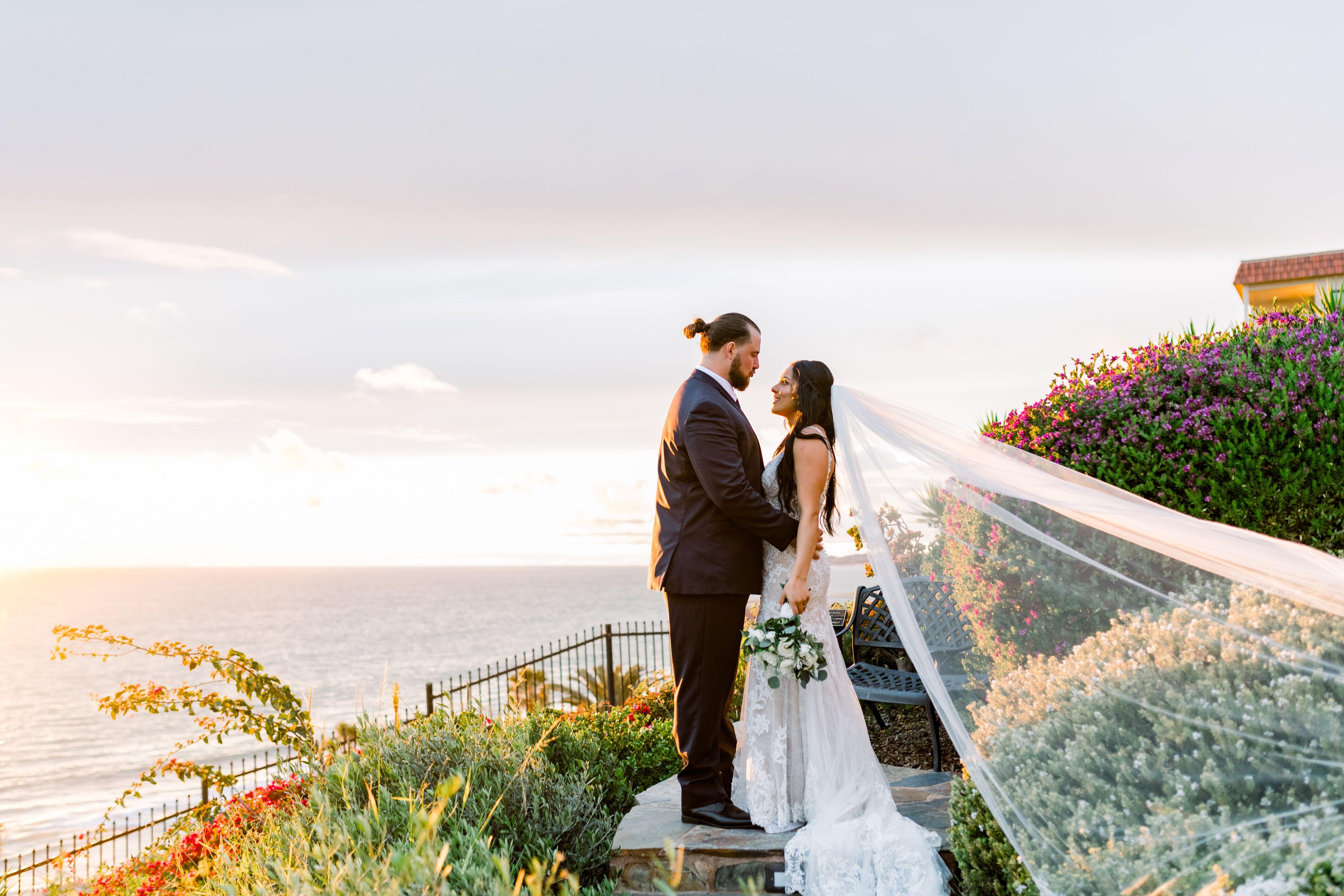 #wedding #sunset #weddingtheme #weddingcolors #weddingdress #veil #weddingoutfit #bridaloutfit #socalsunset #Oceanview #weddingbythesea #Orangecountywedding #Casaromantica #casaromanticawedding