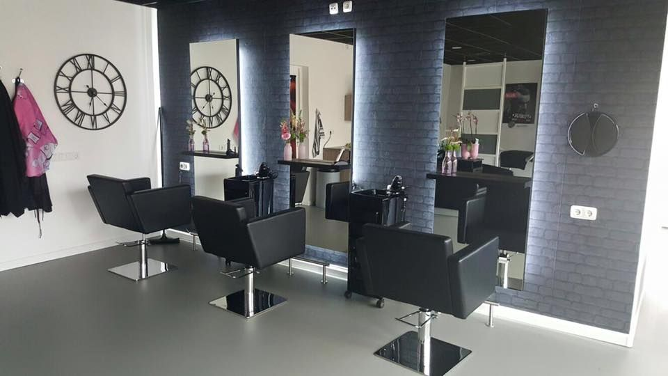 Quadro Styling Chairs Simple Styling Units Salon Ideas From - Modern salon furniture
