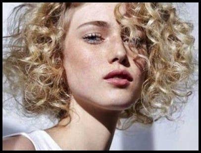 25 Short And Curly Hairstyles Tannenbaum Und Frisur Locken