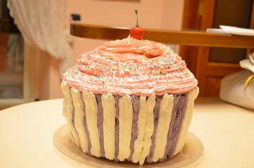 big cup cake