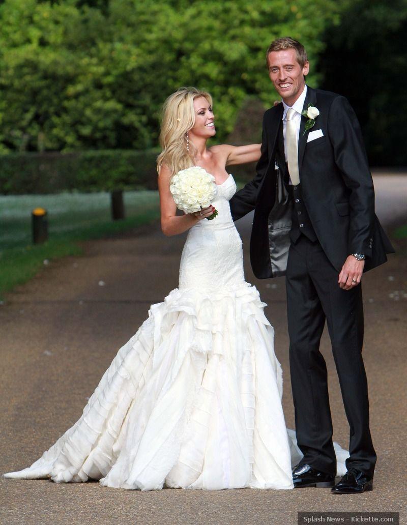Giles Deacon Dress Uk Dresses Uk Mermaid Wedding Dress Strapless Wedding Dress