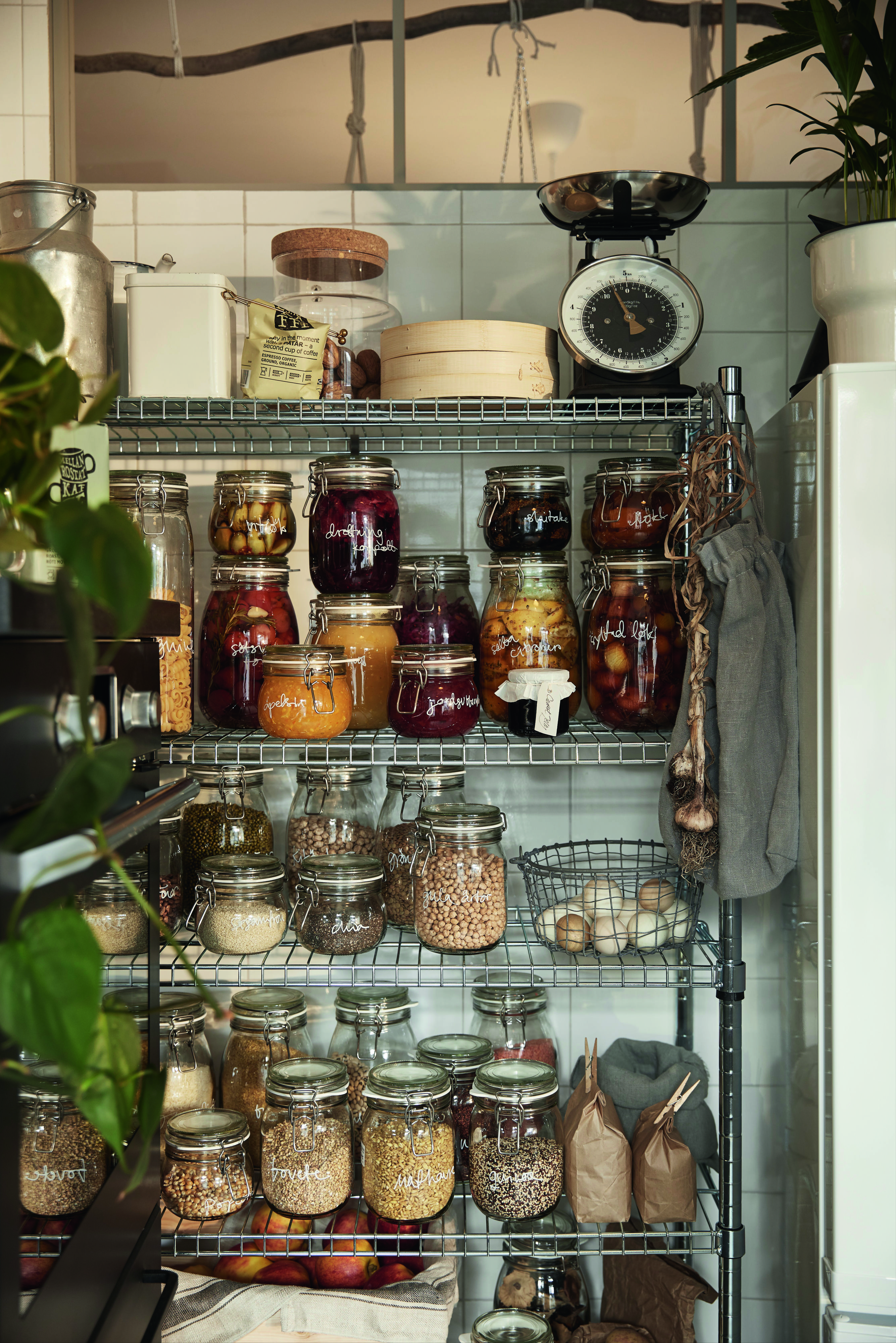 The Korken Jar Puts Your Snacks On Display It S A Beautiful Way To Store Dry Food And You Can Avo Plastic Free Kitchen Kitchen Inspirations Zero Waste Living